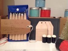 Lino cutting kit and Pick Pretty Paints pain set from £25