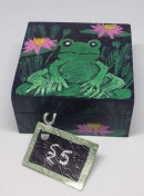 Handprinted frog box £5
